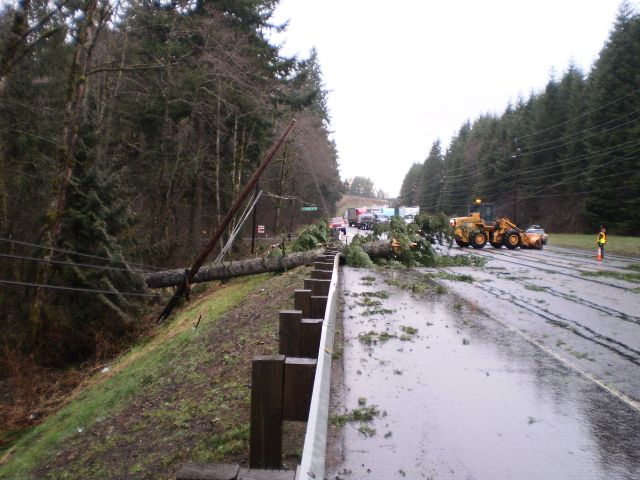 High Winds Hit Portland-Vancouver And Willamette Valley, Cut Power To 125,000 Customers