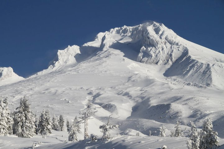 Deep Avalanche On Mt. Hood; Washington Avalanche Closes Pass