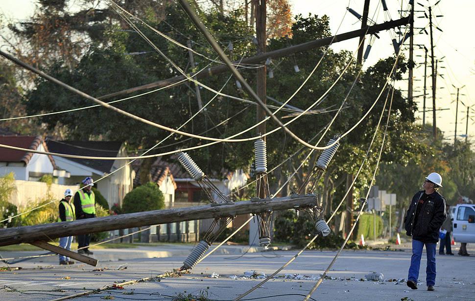 Santa Ana Wind Storm Slams Los Angeles, San Diego & Vegas