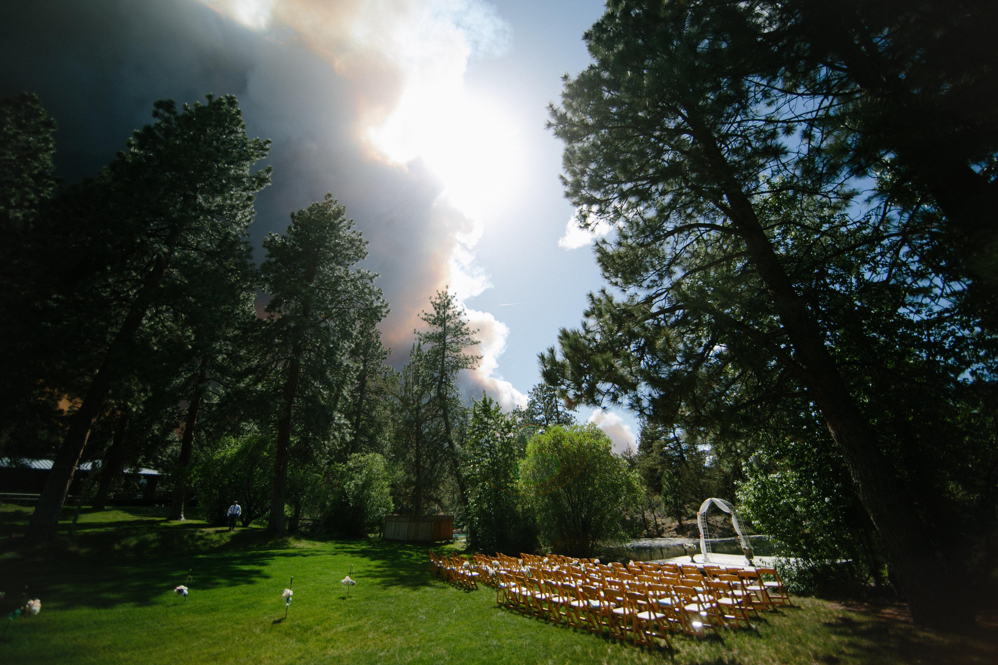 oregon wildfire wedding photos