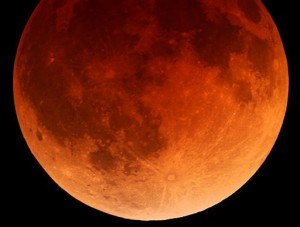 blood-moon-eclipse-photo